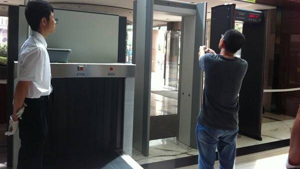 安检机在酒店的应用